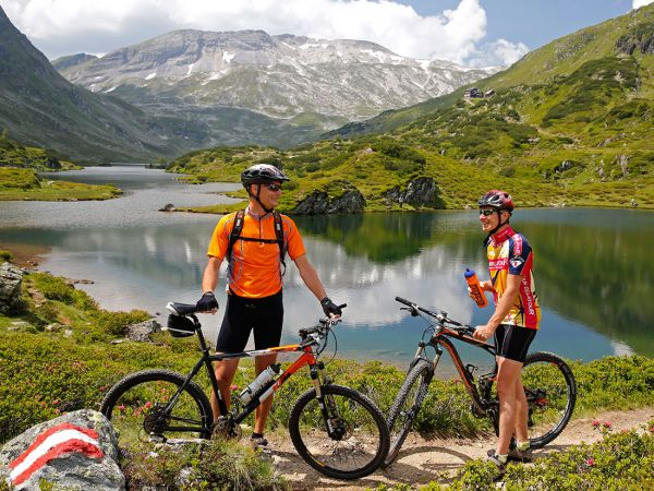 Mountainbiker am Giglachsee