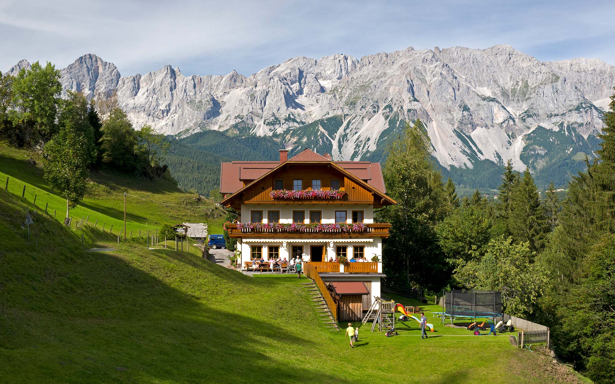 Gasthaus Bankwirt in Preunegg, with traditional cuisine and a breathtaking view
